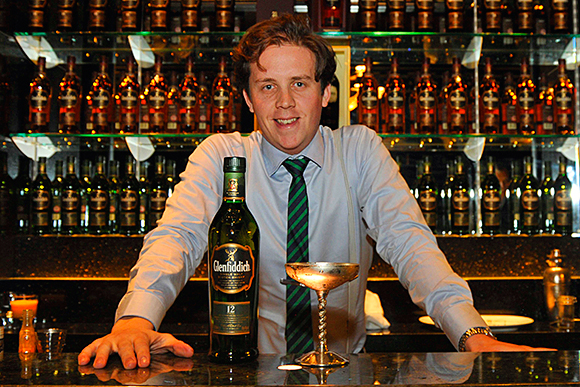 Lee Potter Cavanagh was named Glenfiddich Malt Mastermind after beating seven other finalists from across the UK, including three from bars in Scotland.