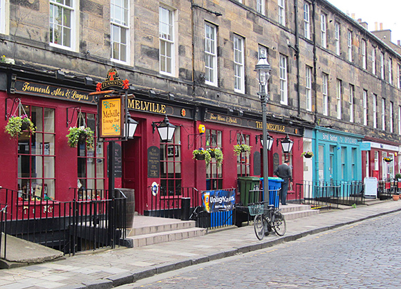 The Melville in Edinburgh's William Street has been taken over by experienced operators.