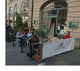 The Veneruso family, which operates Gennaro's restaurant in the city's Grassmarket, has bought Le Sept in Hunter Square.