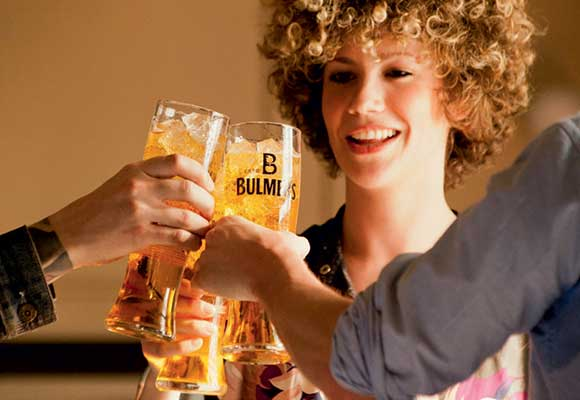 The Bulmers TV ad ends at the beginning, showing a pint of the cider at the start of a night out.