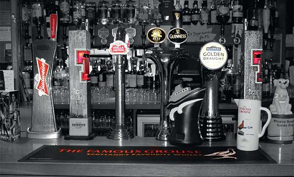 The bar at Cheers and the team collects the SLTN Beer Quality award.
