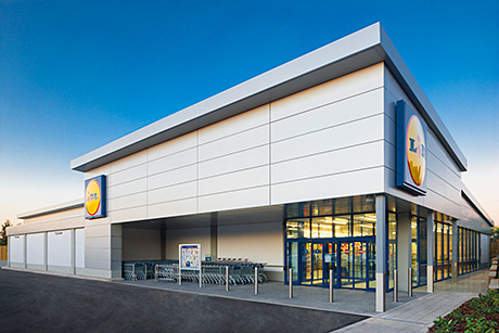 Lidl overturned a five-day ban on selling alcohol at one of its stores.