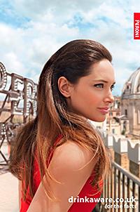 The ad features Italian landmarks.