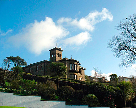 Craigard House Hotel overlooks Campbeltown Loch and has 14 letting bedrooms.