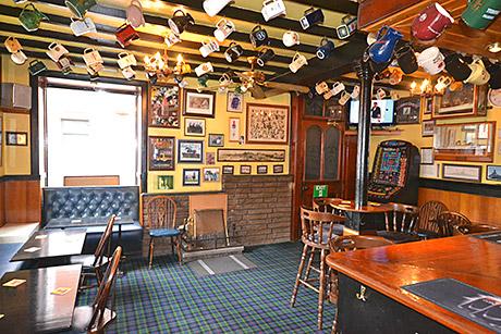 The Royal Oak has traditional decor.