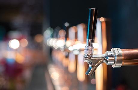 013shutterstock_beer taps