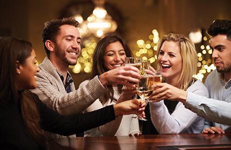 019_shutterstock_Christmas drinks