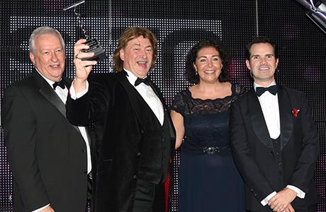 SLTN Industry Achievement Award winner Donald MacLeod, presented by Jim Grierson of Maxxium UK (left) alongside Gillian McKenzie, SLTN Editor and Jimmy Carr.