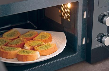 microwave garlic bread