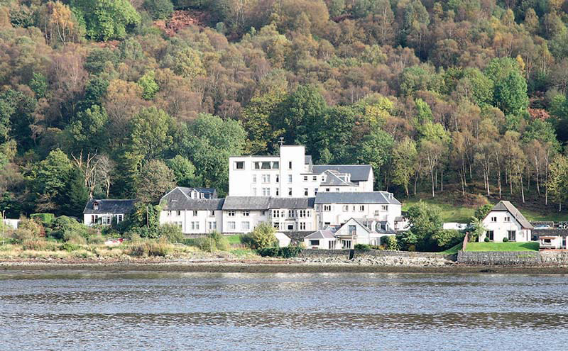 Located in the village of Arrochar, the Loch Long Hotel has 82 en suite bedrooms.