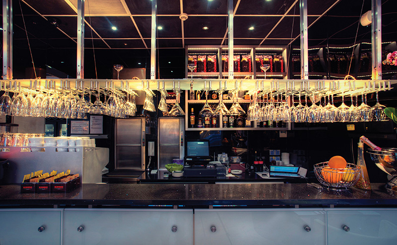 One of the main features in the new Rigatoni's restaurant is its glittering cocktail bar. The sparkling black granite surround and frosted glass frontage adds to the modern feel.