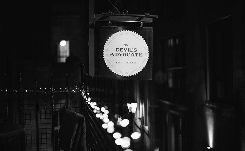 Devil's Advocate, Bon Vivant