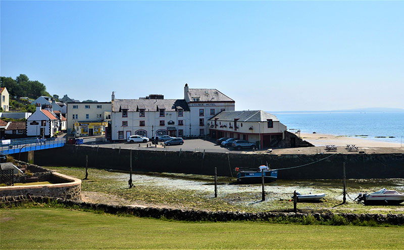 The Crusoe Hotel's 16 letting bedrooms are all said to offer views across the Firth of Forth.