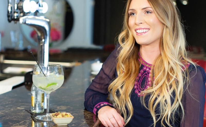 Female drinkers would like to see more snack options at the bar