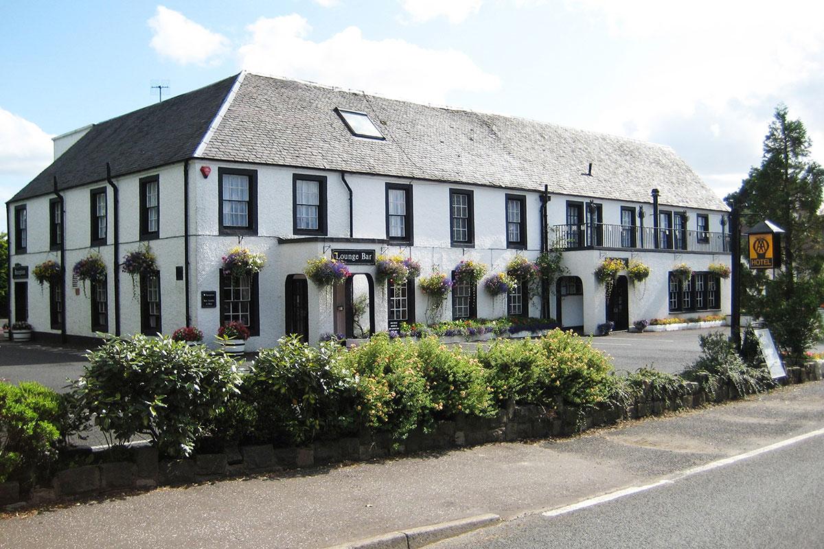 Uplawmoor-Hotel-exterior