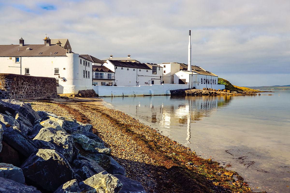 Bowmore-Distillery