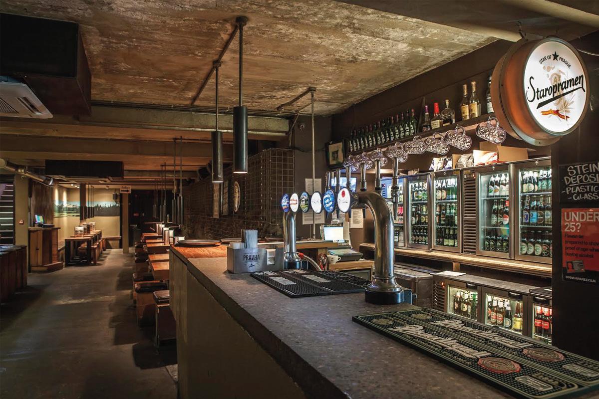 bier-hall-bar-area